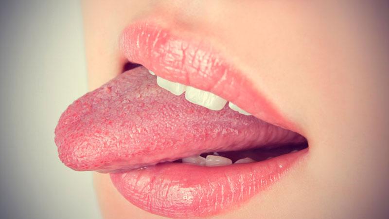 жжет кончик языка